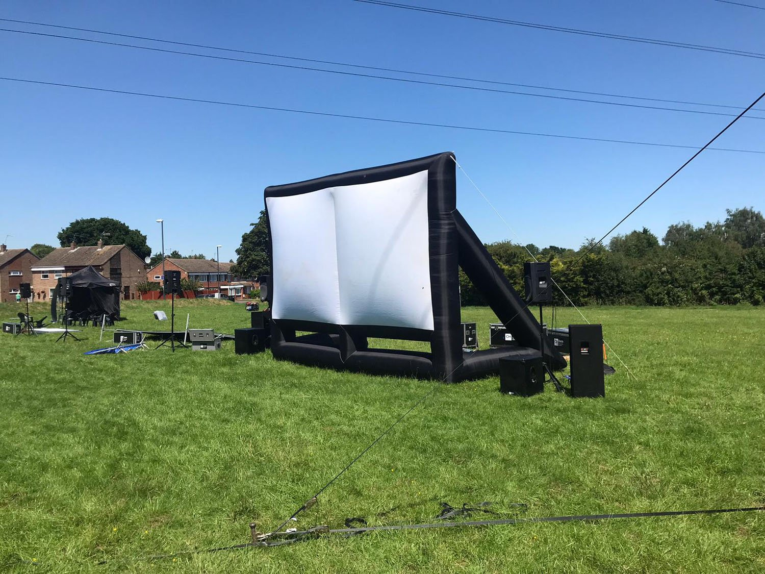 cinema hire, screen hire, pop up cinema hire, outdoor cinema hire, indoor cinema hire, projector hire
