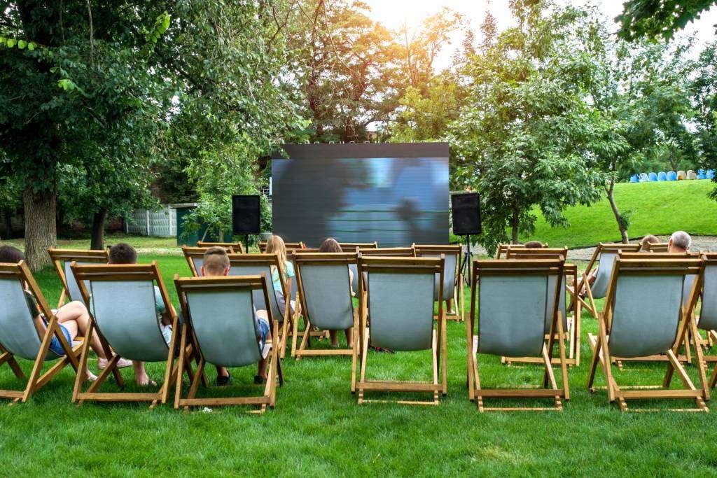 Deck Chair Cinema, cinema hire, screen hire, pop up cinema hire, outdoor cinema hire, indoor cinema hire, projector hire